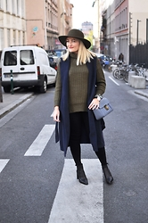Paris Grenoble - Brixton Hat, New Look Puller, New Look Coat, New Look Skinny, New Look Boots, Chloé Elsie Bag, Daniel Wellington Watch - Paris Fashion Week by New Look