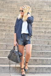 Paris Grenoble - Ray Ban Sunnies, Balsamik Bombers, Pimkie Polo, H&M Shorts, Zara Ballerina, Balenciaga City Classic - THE Bombers