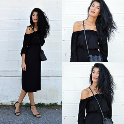 Savina Dos -  - Off Shoulder Dress