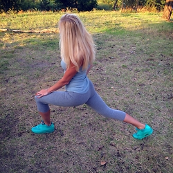 Anita Abiks - Nike Air Max 90 Hyperfuse Sneakers, Pandora, Blonde Hair, Zara - Fitness girl
