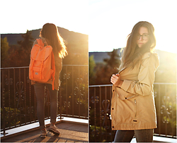 Francesca S - Herschel Little America Backpack, Pull & Bear Coat, Vero Moda Jeans, Nike Air - Wanderlust