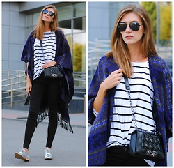 Yulia Sidorenko - Reserved Top, Wholesalebuying Bag, Zara Shoes, New Yorker Jeans, Dressgal Sunglasses - Poncho cape and silver shoes