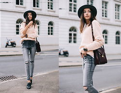 Bea G - Sweater, Jeans, Shoes, Hat, Bag - Pale Pink Knits