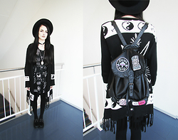 Evy Marie - Disturbia Dress, Unif Bummer Poncho, Disturbia Backpack, Ebay Creepers - NUMB 666MG