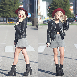 Cátia Gonçalves - Stradivarius Hat, Mango Leather Jacket, Missguided Crop Top, Vintage Mini Skirt, Jeffrey Campbell Chunky Boots - Burn me out, leave me on the other side