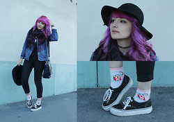 Candy Hashi - H&M Pop Corn Socks, Vans Platforms, Zara School Bag - Welcome October