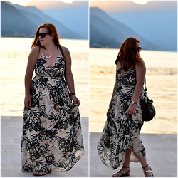 Chocolate Fashion Coffee - H&M Maxi Dress, Daniel Welligton Watch, Stradivarius Sandals, Balilla Necklace - Sunset