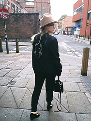Andra Vaida - Asos Hat, Serge Denimes Jacket, Zara Joggers, Asos Pointed Heels - My name is casual