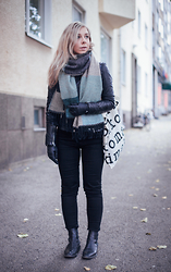 Maria Morri - Lindex Scarf, Zara Leather Jacket, Acne Studios Jeans, Vagabond Shoes, Marimekko Canvas Bag - Is Winter Coming...?