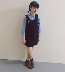 NIA Acidia - Wego Dress, Uniqlo Shirt, H&M Shoe - Creepily simple