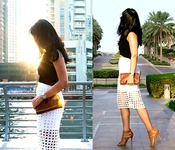 Style Destino - Stella Mccartney Crossbody, Banana Republic White Skirt - Summer in Fall - Dubai