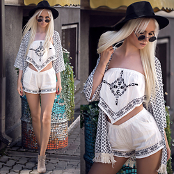 Oksana Orehhova - Cndirect Set (Top And Shorts), Cndirect Kimono, Freyrs Sunglasses - VACATION IT UP