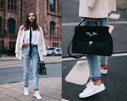 Bea G - Blazer, Jeans, Blouse, Shoes, Bag - Lost in Translations