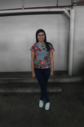 Anne Diocos - Calee Printed Top, Calee Shoppe Buttoned Up Highwaist Jeans, Primadonna White Sneakers - Wash Day Diaries: Prints (Part 2)