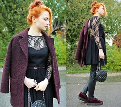 Katharina K. - H&M Woolcoat, Rare London Lace Dress, H&M Belt, Miss Selfridge Studded Bag, H&M Velvet Plateaus, H&M Leather Leggings - Freiflug