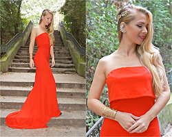Federova Kik - Sheinside Dress, Golden Cuff Bracelet - The red maxi dress