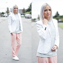 Nena F. - Cos Sweater, Zara Pastel Pink Trousers - Light winter shades