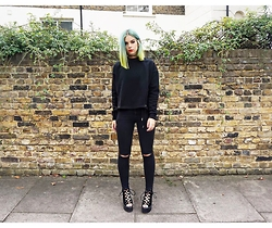 Sophie Hannah Richardson - Public Desire Heels, Topshop Ripped Jeans, Prettylittlething Lace Up Jumoer - All Black Everything