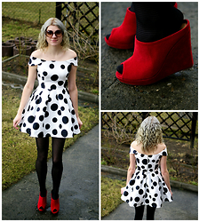 Kamila Krawczyk - Axparis Dress, Gatta Tights - Dots 50s