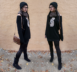 Anja - S. Oliver Black Knitted Jumper With A Squirrel, New Yorker Brown Scarf - The first time I saw you.