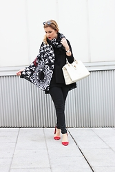 Juls Theulifestyle -  - Big scarves