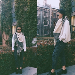 CINDY - Free People Scarf, Urban Outfitters Oxfords - Hobo aesthetics