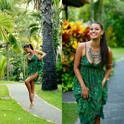 Tamara Chloe - Lookbook Store Dress, Pieces Necklace - Printed Greens - Bali Diary Part 4