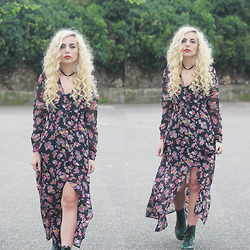 Cátia Gonçalves - Dr. Martens Boots, Dresslink Bohemian Dress - You know what I dream sleeping in my bed