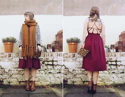 Little L - Asos Midi Dress, Monki Scarf - Autumn wedding guest.