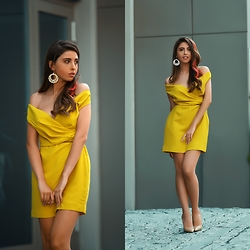 Cansın Ekşi - Mango Yellow Dress, Nude Stilettos - Yellow mellow