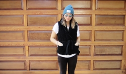Aija Thompson - Armada Hat, Wilfred Vest, Wilfred Free Suede Leggings - Wool Vest