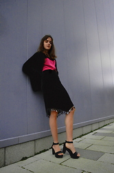 Melissa Dewar - Vie Ta Velvet Skirt, New Look Black Shoes, Vintage Furry Coat - VaVa Velvet