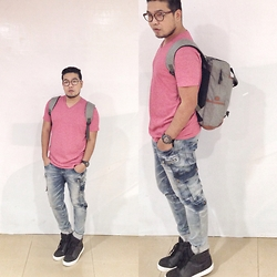 John Roy Agcaoili - Uniqlo Red V Neck Shirt, Washed Jeans, Lazada Korean Style Bag, H&M Black Hi Cut Shoes, Forever 21 Eyewear, Casio Watch - Outfit Of The Day 005