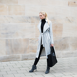 Kim Ahrens - River Island Coat (River Island), River Island Heels (River Island), River Island Bag (River Island) - Grey Jersey Long Belted Trench Coat