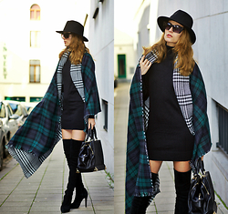 Ruxandra Ioana - Lookbook Store Green Plaid Reversible Shawl, Cndirect Sweater - I've been watching you