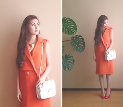 Julia Wigandt - Yoins Orange Sleeveless Coat, Dresslink White Shoulder Bag - Against the rules