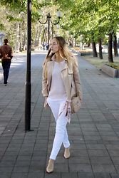 Mary Ryabich - Swanshow Beige Trenchcoat, Koton Light Pink Top, Terranova White Pants, Alba Nude Heels, River Island Beige Bag - Shades of beige