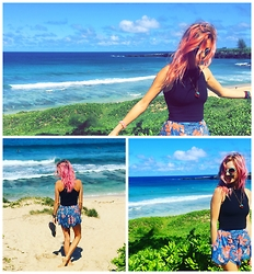Brittany Shae - Free People Twiggy Circle Sunnies, Third Eye Pine Cone Pinecone, Truly Madly Deeply Fitted Tank, Out From Under Floral High Waisted Short - Smell the Sea, Feel the Sky, Let your Soul & Spirit Fly