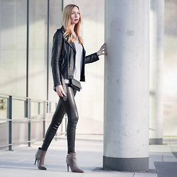 Dana Lohmüller - Einstein & Newton Sweater, Poilei Ankle Boots, Any Di Leather Hip Bag, Be Edgy Leather Jacket, True Religion Leather Pants - Black, Grey & Leather