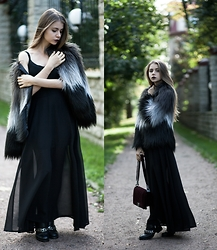 Anna Vershinina - Sheinside Dress, Choies Fur Coat - So Much Drama
