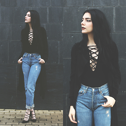 CLAUDIA Holynights - Zaful Crisscross Top, Zaful Trench Oat - Crisscrossing