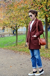 Julia Litvin - Pull&Bear Jeans, Versace Sunglasses - Brown coat