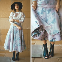 Hind Adib - Alexia Ulibarri Floral Skirt - Memories That You Call
