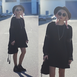 Cátia Gonçalves - Jeffrey Campbell Cut Out Boots, Romwe Boho Dress, Parfois Black Hat - I picture your face in the back of my eyes