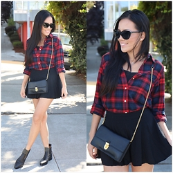 Rachel Vogt - Chloé Chloe Boots, Marc Jacobs Clutch Bag, Uniqlo Plaid Shirt, My Blog - Plaid look 3