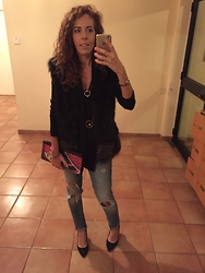 Marlen T - Zara Jeans, Private Vintage Collection Sleeveless Furcoat, Zara Necklace, Patricia Field Clutch - Thursday night out