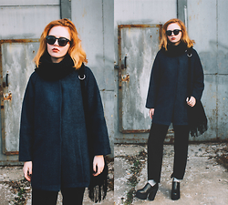 Kristina Magdalina - Dresslink Coat, Dresslink Bag, Sammydress Boots - In a dark blue coat.