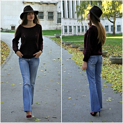 Anja - Levi's® Flared Jeans, Zara Hat, H&M Sweater - Flares