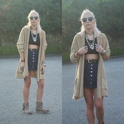 Cátia Gonçalves - Dressin Cardigan - I can make it do things you wouldn't think it ever could