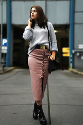 Jasmin Fatschild - Skirt, Heels, Sweater, Bag - THE CAR PARK